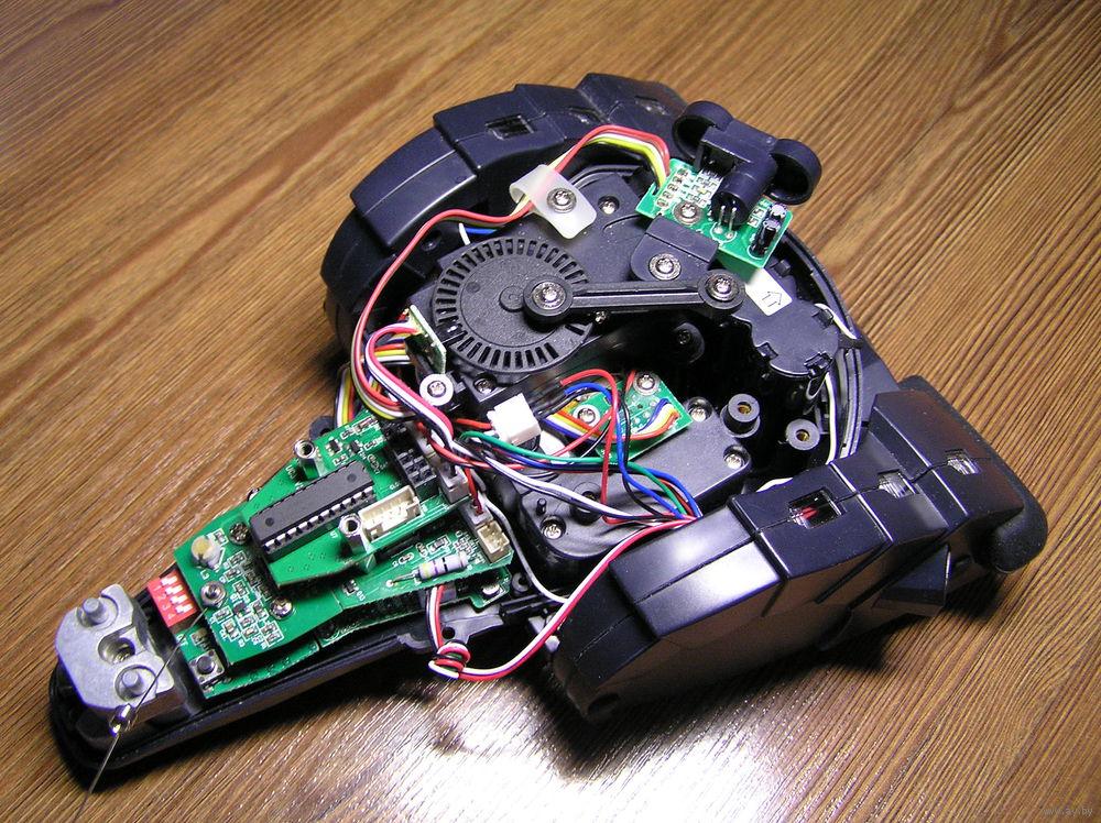 робот шпион игры